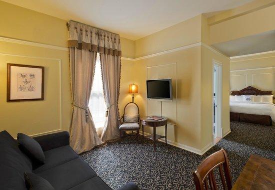 The Oxford Hotel: Parlour Suite