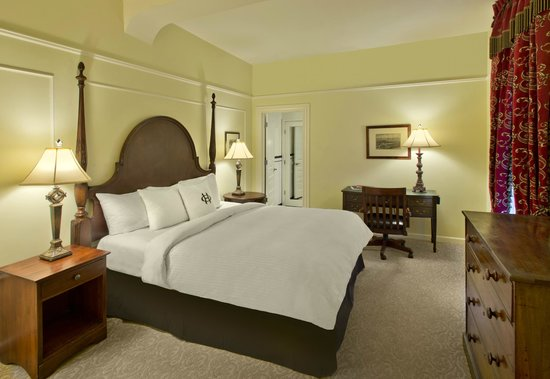 The Oxford Hotel: Superior Room