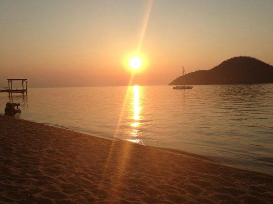 Thumbi View Lodge: Sunset over Lake Malawi