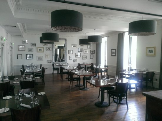 The Douglas Hotel: The exemplary dining room.