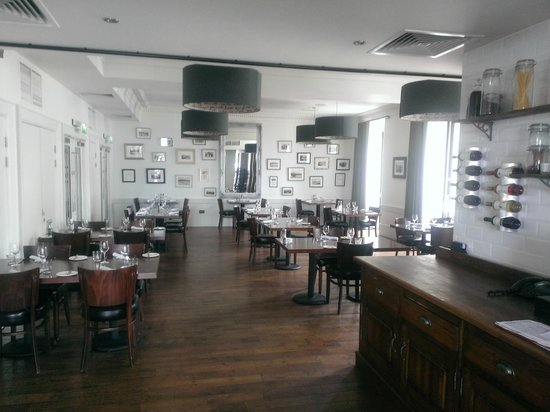 The Douglas Hotel : The fantastic dining room.