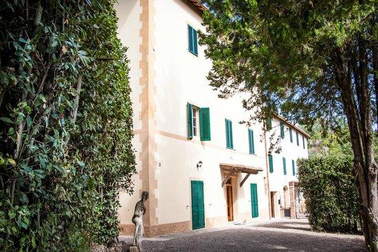 Villa Zara : Palazzo residenziale recentemente ristrutturato
