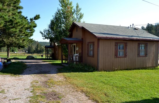 Black Hills Cabins and Motel at Quail's Crossing: Cabin #2