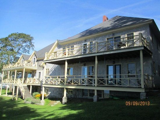 Acadia Bay Inn: Back Porches and Decks