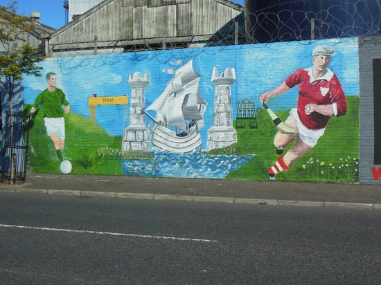 Official World Famous Belfast Black Taxi Tour: Sports