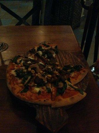 Ula Gula : PIzza con queso de cabra, deliciosa
