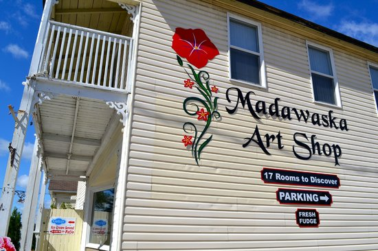 Madawaska Art Shop : 17 Rooms to Explore