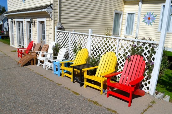 Madawaska Art Shop : Great selection of Muskoka Chairs