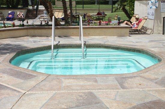 Welk Resort Palm Springs - Desert Oasis: Piscina termica .