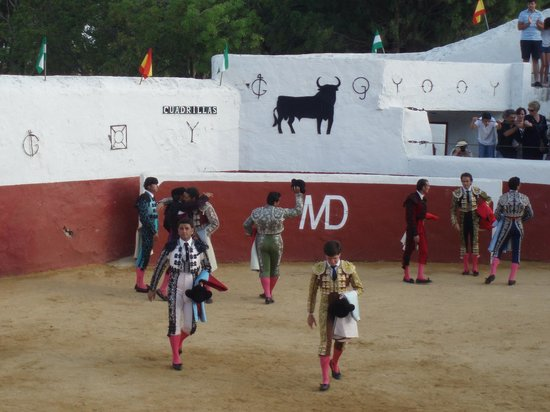Mijas Plaza de Toros: Bullfighters after event