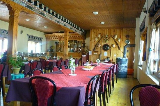 River Lodge: Dining Room