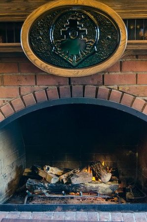 Kettle Valley Station Pub : Fireplace for those chilly nights