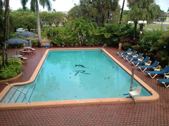 Regency Hotel Miami: Piscina