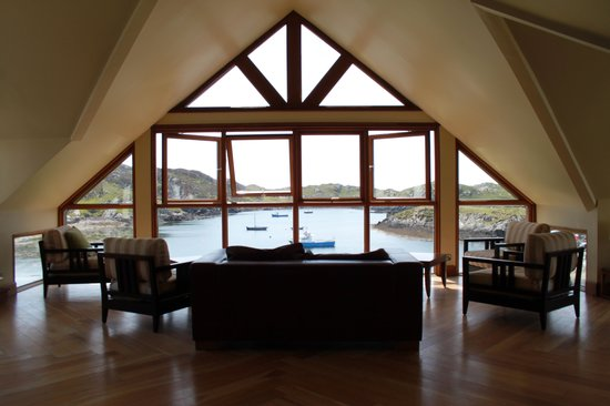 Inishbofin House Hotel & Marine Spa: The library