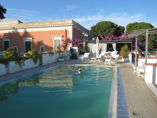Villa Casadangelo : La belle terasse sur le toit et sa piscine