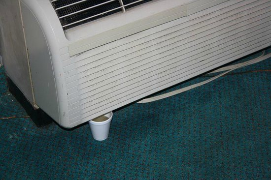 Econo Lodge Homewood - Birmingham: Zimmer defekte Klimaanlage