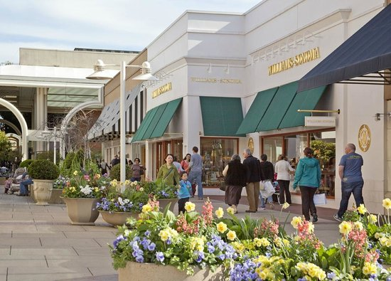 ‪The Stanford Shopping Center‬