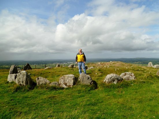 Loughcrew Megalithic Cairns: Nice day for a hike.