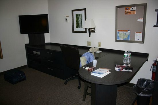 Candlewood Suites - Boston Braintree: Zimmer