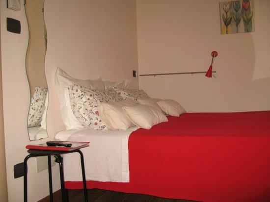"""Bed & Breakfast Lagi : camera """"rossa"""""""