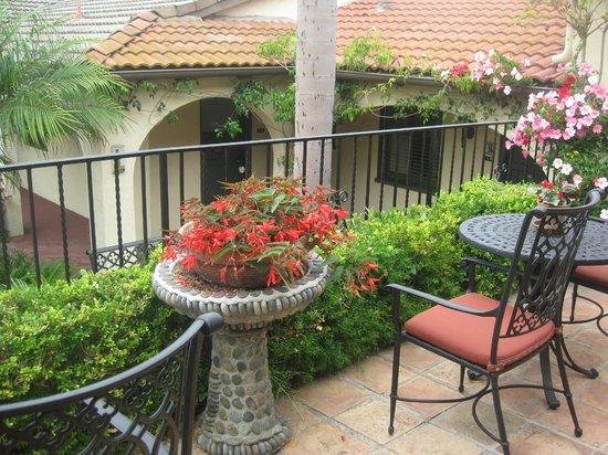 Casa Laguna Hotel & Spa: Beautiful courtyards