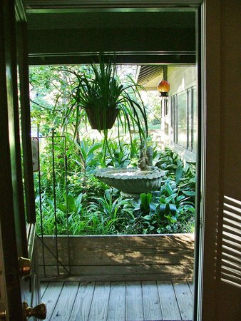 Bay Breeze Bed & Breakfast: This is a view right out the Magnolia's door