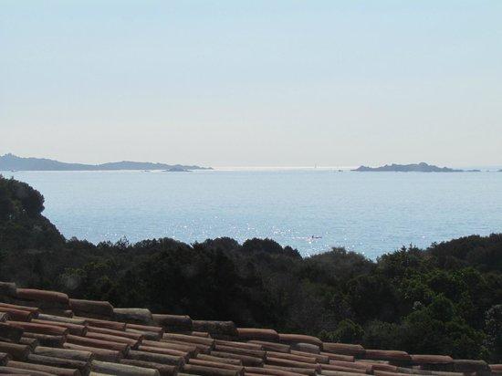 Hotel Capriccioli : Vista desde ventana de los pasillos del hotel