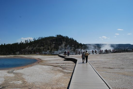 Boardwalk Through The Basin Picture Of Midway Geyser