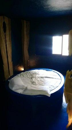 Hotel-Museum Atelier sul Mare : Habitación