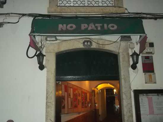 No Patio : the view from ousite street