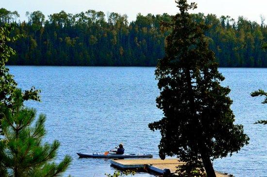 Golden Eagle Lodge : Flour Lake