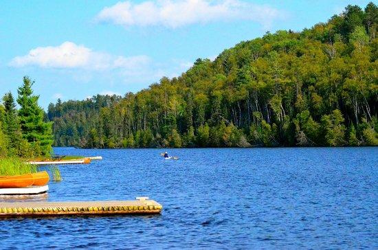 Golden Eagle Lodge : Kayak on Flour Lake