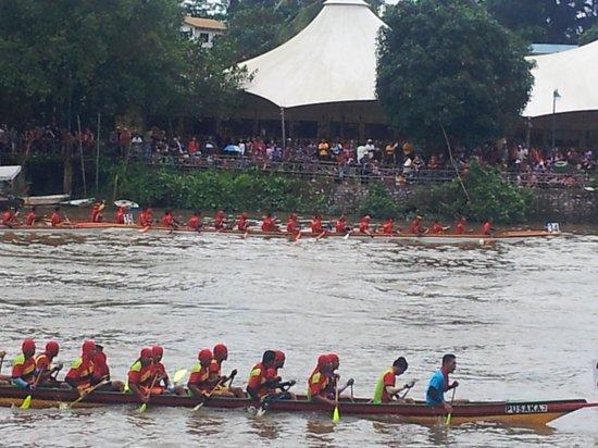 De Palma Waterfront Kuching: Sarawak Regatta (part of Malaysia Day festivities until Sept15.