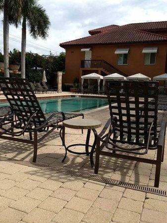 Bellasera Resort: Beautiful pool and deck