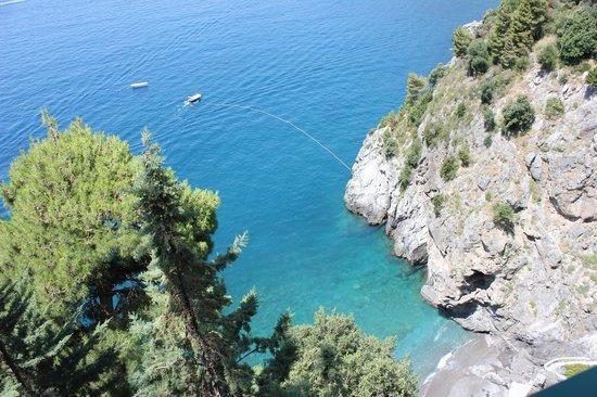 Il San Pietro di Positano: Looking down to the beach and dock