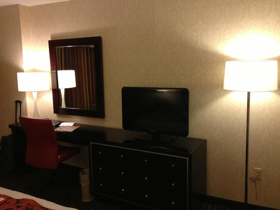 Silver Legacy Resort and Casino: Tower Room View 2