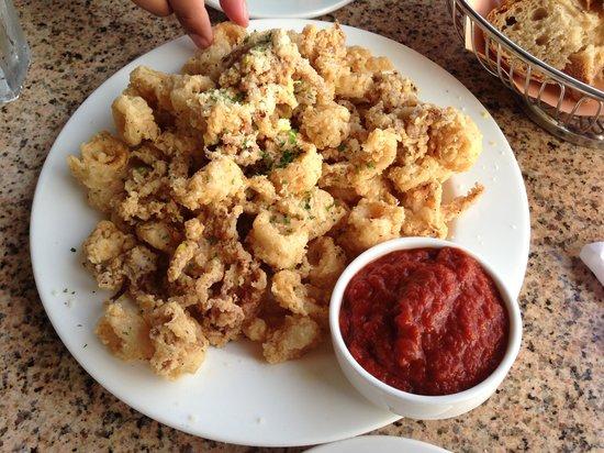 Marina Cafe: Fried Calamari! WOW!