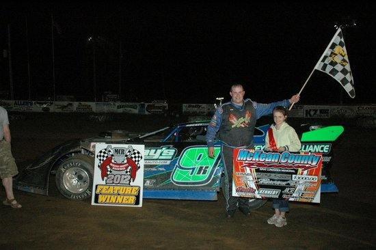 Smethport, Pensylwania: Race Winner in Victory Lane