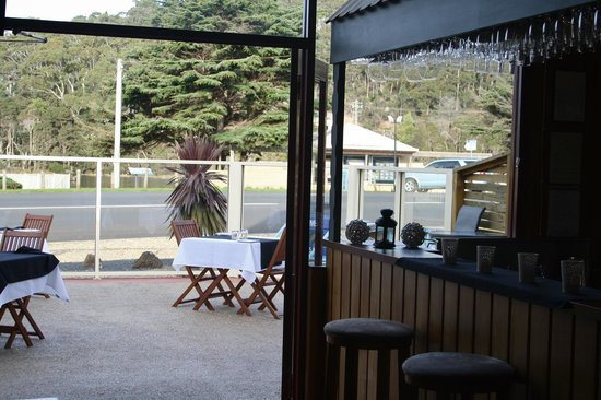 Jetty Restaurant: looking out onto our outdoor area opposite the Cam River.