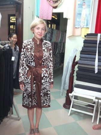 customer at duc minh tailor