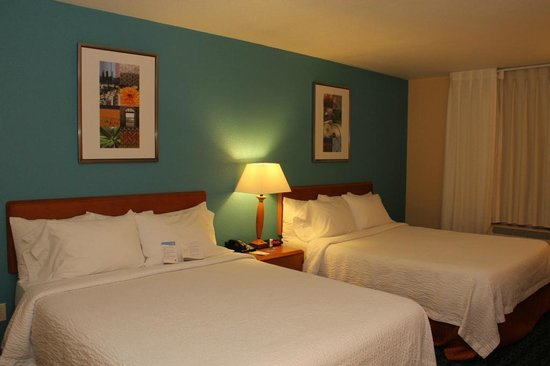 Fairfield Inn & Suites Ukiah Mendocino County: Room