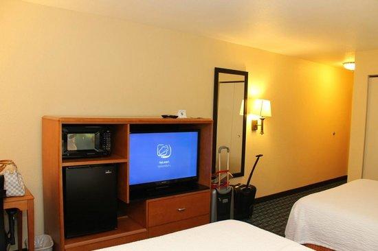 Fairfield Inn & Suites Ukiah Mendocino County: Room