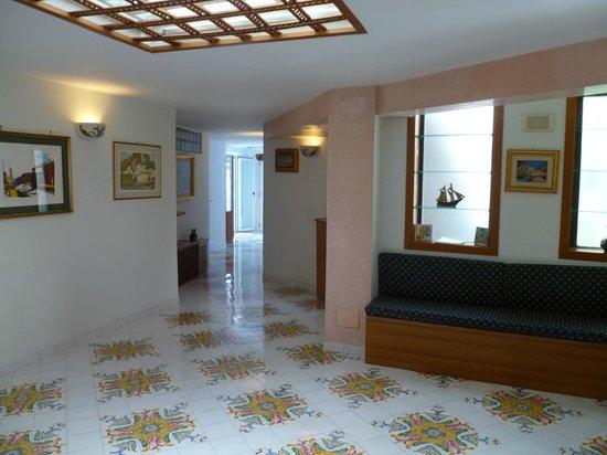 Holidays Baia D'Amalfi: Interior of the hotel