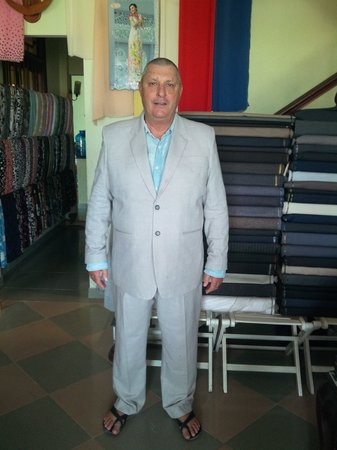 Duc Minh Tailor : australian try on his cotton casual suit for sumer