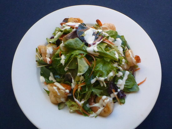 Garlic prawn salad