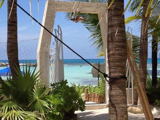 Hotel Villa Kiin : The beach!