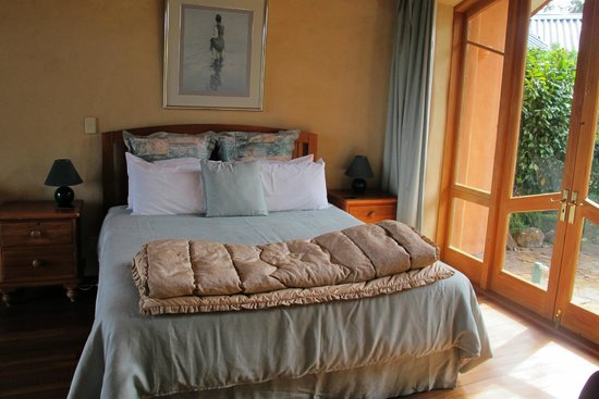 Earthsong Lodge: Bedroom