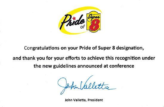 Super 8 Waynesboro : Pride of Super8 2013