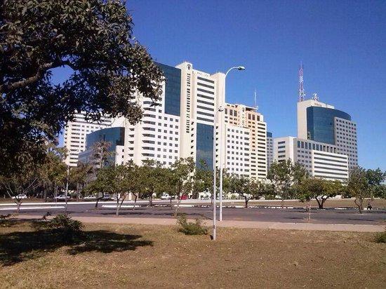 Melia Brasil 21: Hotel visto apartir da Torre de TV, que fica em frente a ele.