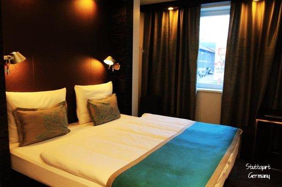 Motel One Stuttgart: Bed
